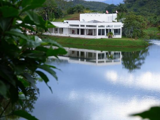 hotel-vista-lago-ecoresort-mi-guia-panama